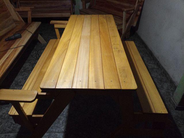 Torrando Banco que vira mesa de Tatajuba (madeira nobre) - Foto 6