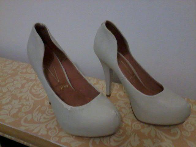 Sapato e sandália social