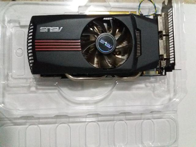 Placa de Vídeo Asus GTX 560 2Gb com defeito