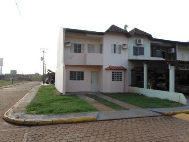 Sobrado 3 quartos alugo condomínio fechado Bairro Lagoa