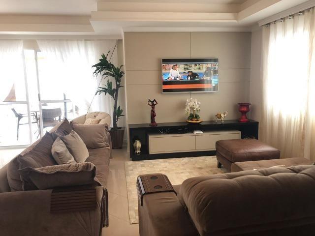 Com piscina privativa e sacada gourmet, cobertura duplex mobiliada à venda em Meia Praia - Foto 2