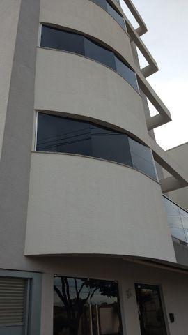 Quarto novinho no Santa Mônica, a 5 min do shopping e ao lado do Parque do Sabiá - Foto 2