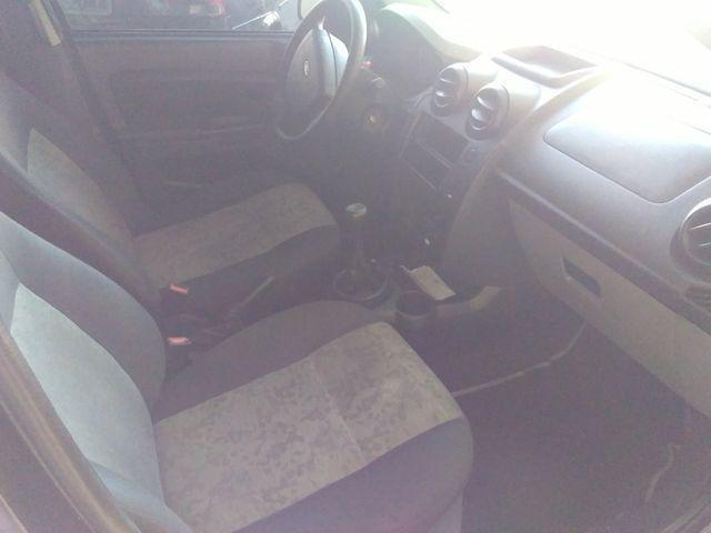 Ford Fiesta Sedam 1.0 2008 Completo - Foto 3