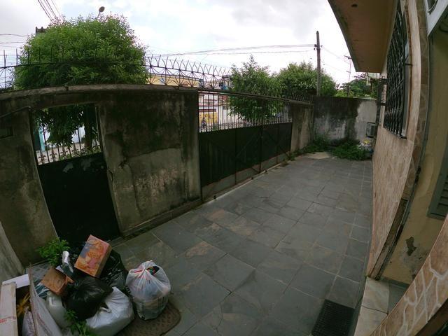 Terreno de 250m2 com 3 casas e quintal em Jardim América - Rio de Janeiro - Foto 2