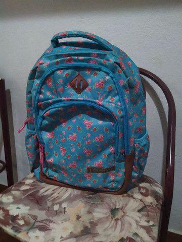 Bolsa escolar bem conservada