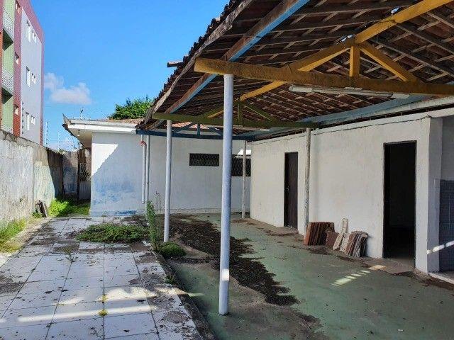 Linda casa com 04 quartos muito bem localizada no Cristo Redentor - Foto 7