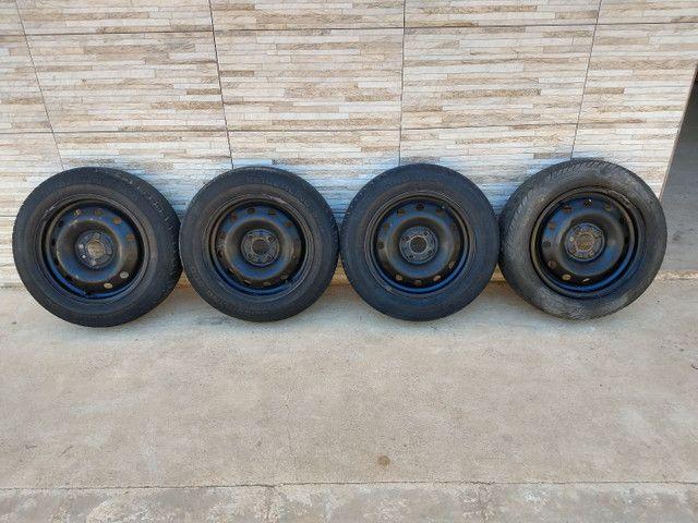 Jogo de rodas 14 de ferro semi novas originais do fiat pálio
