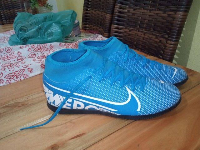 Chuteira Futsal Nike Mercurial Superfly 7 Academy IN - Azul+Branco<br><br> - Foto 4