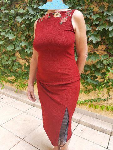 Vestido vinho com bordado - Foto 3