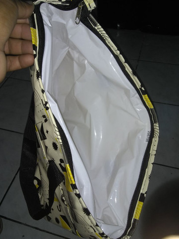 Vendo 2 sacolas térmicas  50 reais cada - Foto 5