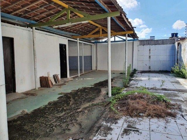Linda casa com 04 quartos muito bem localizada no Cristo Redentor - Foto 16