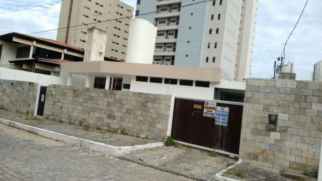 Casa de esquina no Cabo Branco