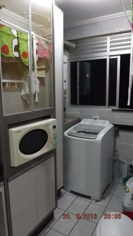Apartamento 3 dormitórios com móveis planejados no Cabral - Foto 6