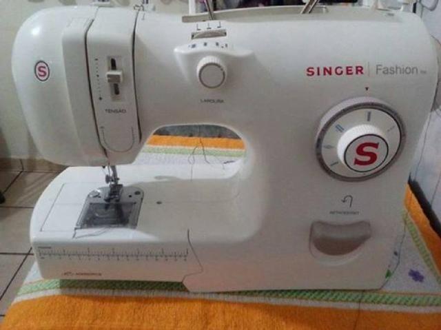 Maquina De costura Singer Fashion Domestica - Foto 5