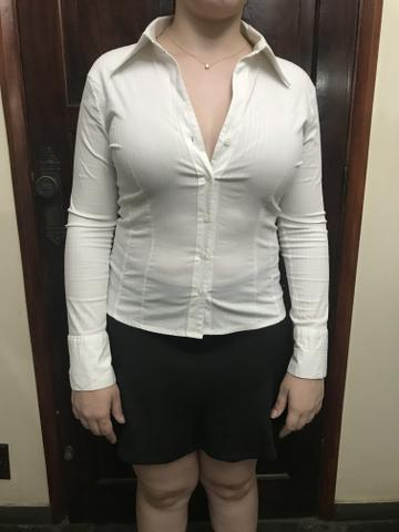 Camisa branca tamanho 42