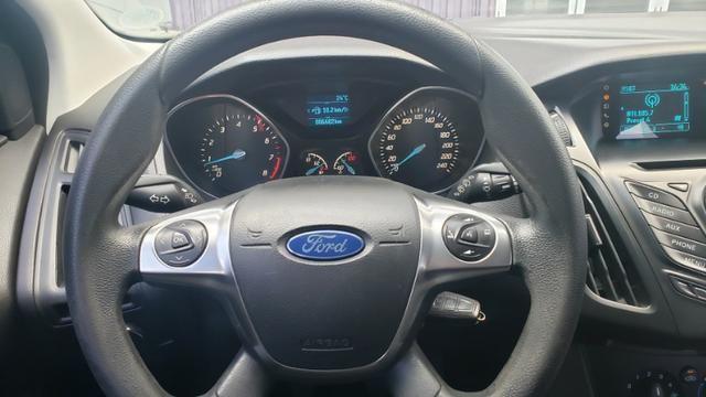 Ford Focus SE 1.6 - pneus novos - carro revisado - Foto 9