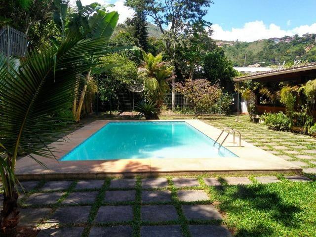 Maravilhosa casa triplex no centro de Nogueira - Foto 2