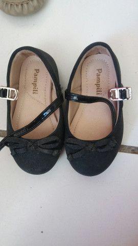 Desapego sandalhinhas infantil cada uma 20 ó o pretinho 40 - Foto 4
