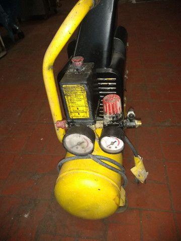 Compressor portátil Ferrari mega Air 229 v - Foto 4