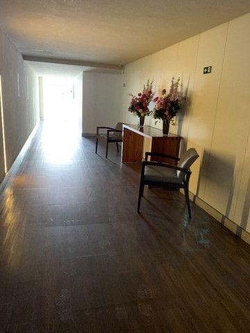 Ed. Mistral Residence Apto. em Andar Alto com 2 Vagas de Garagens - Foto 14