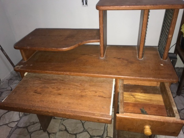 Escrivaninha / Mesa de computador em Angelim  - Foto 2