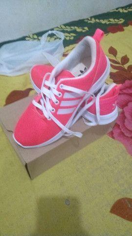 Vendo tênis feminino rosa pink  - Foto 2