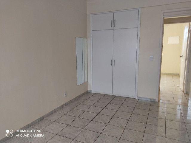 Alugo apartamento três quartos edifício meridien
