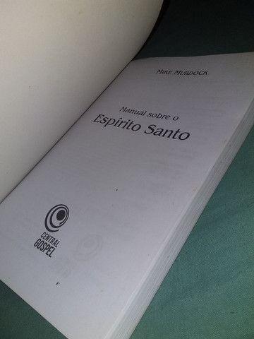 Livro manual sobre o Espírito Santo - Foto 3