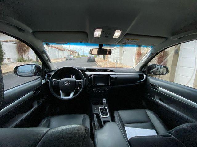 Toyota Hilux SRV 2.8 2018 único dono novíssima  - Foto 6