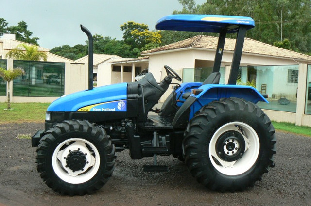 Trator New Holland TL 75 E 4x4 ano 09