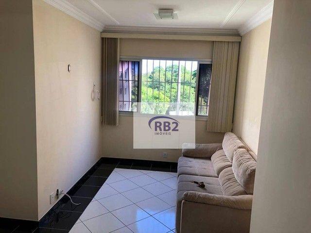 More em ótimo apartamento mobiliado de 2 quartos com excelente localização - Foto 3