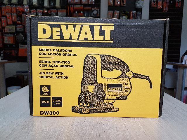 Serra Tico-tico 500W c/ base ajustável DW300 DeWalt - Foto 4
