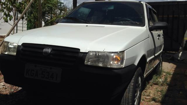 Fiat Uno 2006 4 portas
