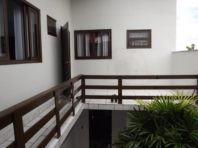 Sobrado central na Praia c/ 03 suítes mais 04 dormitórios! Ideal para aluguel de quartos - Foto 13