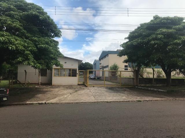Barracões no Distrito Industrial