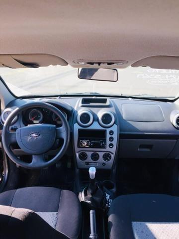 Fiesta Hatch 1.6 Class 2011 - Foto 4