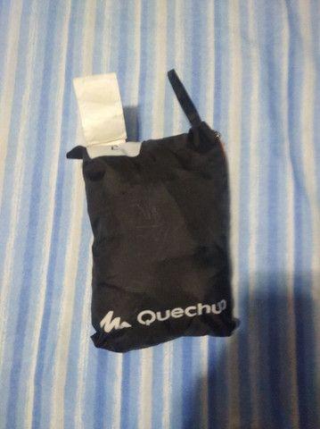 Jaqueta Impermeável Para Chuva - Quechua tamanho M - Foto 2