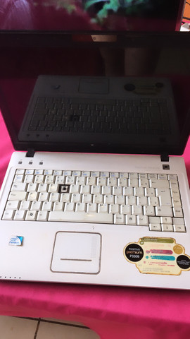 Vendo notebook marca positivo em Uberlândia Mg - Foto 2