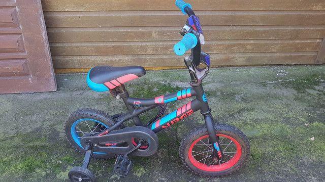 Bicicleta infantil 2 a 5 anos