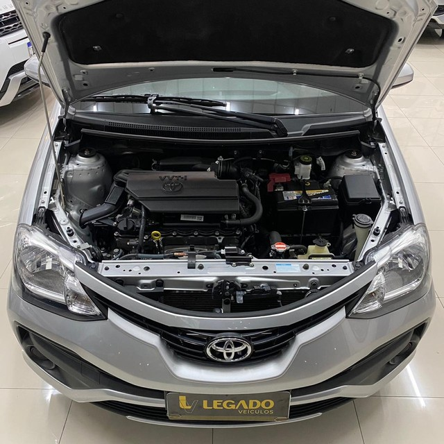 Toyota Etios XS 1.5 Sedan 2018 - Foto 12