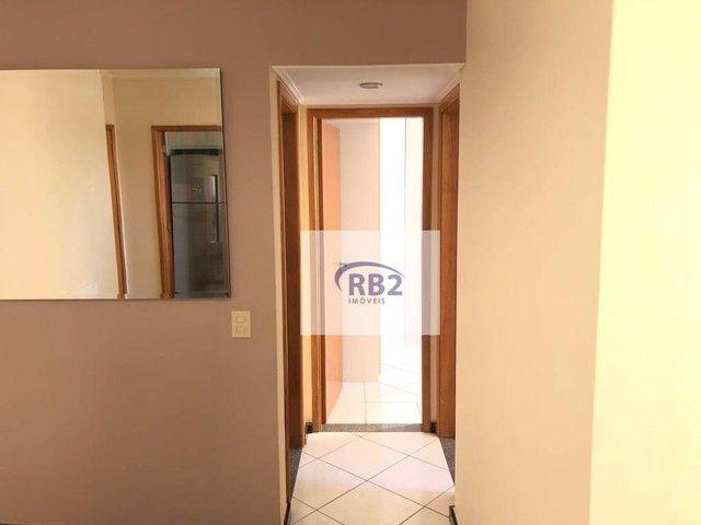 More em ótimo apartamento mobiliado de 2 quartos com excelente localização - Foto 9
