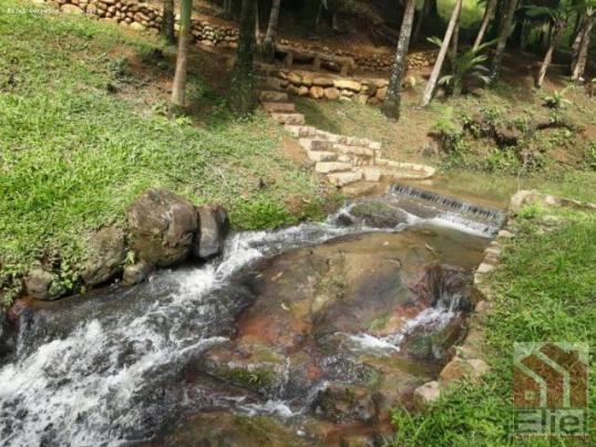 Chácara bem Localizada com Água a Vontade