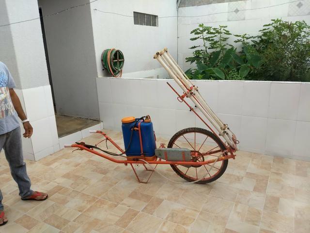 Máquina de pulvezar, ideal para ortalices e pequenas lavouras