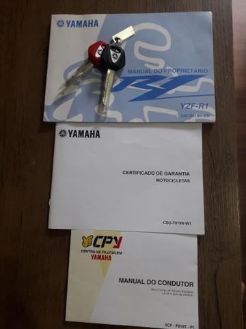 Yamaha r1 impecável 9800 km - Foto 8