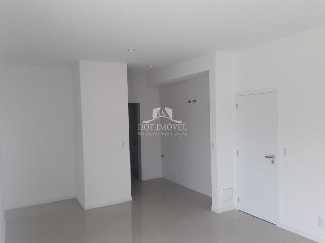 Apartamento à venda com 3 dormitórios em Campeche, Florianópolis cod:HI0937 - Foto 2