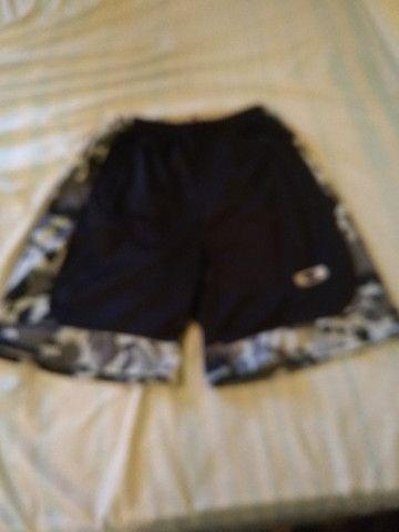 20 reais shorts da Oakley
