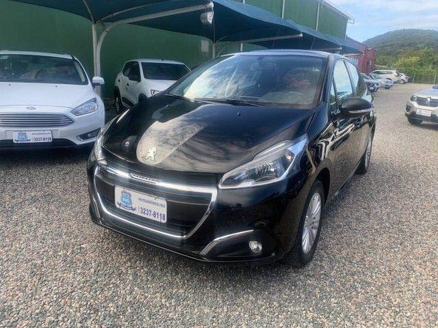 Peugeot 208 Allure 1.2 8V