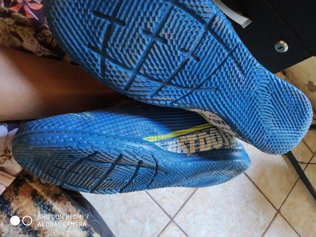 Vendo chuteira futsal - Foto 2