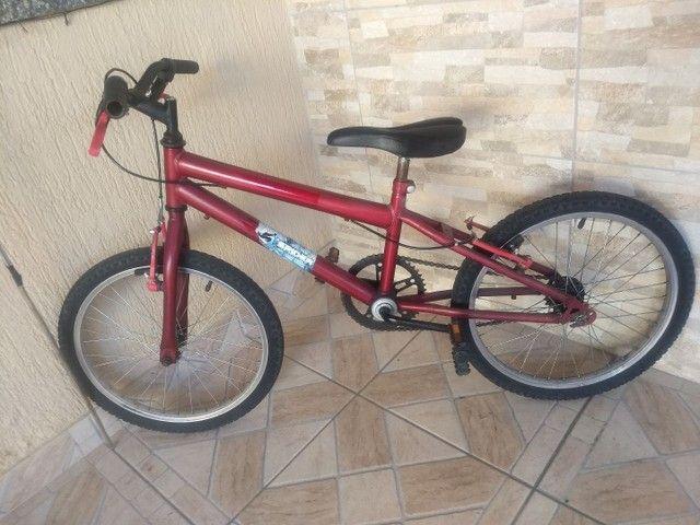 Bicicleta infantil aro 20 com ou sem rodinhas é o mesmo preço - Foto 2