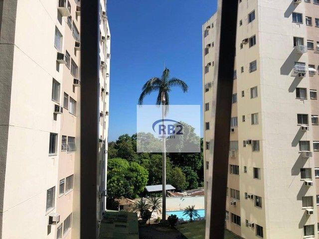 More em ótimo apartamento mobiliado de 2 quartos com excelente localização - Foto 4